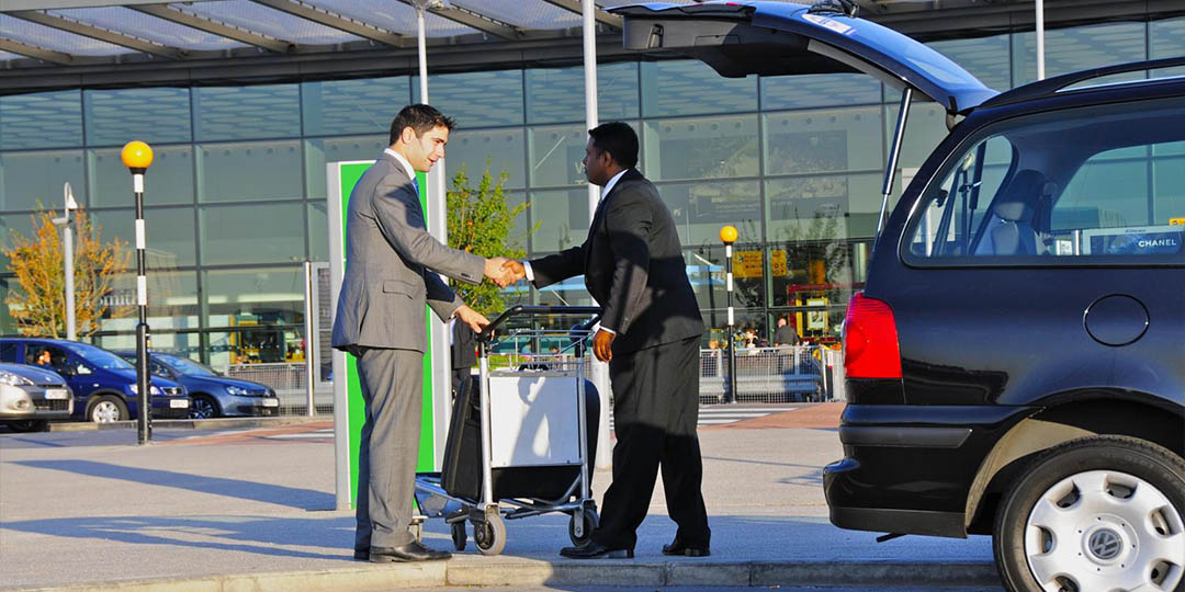 https://www.mbaairporttransportation.com/wp-content/uploads/2015/11/mba-pick-up.jpg